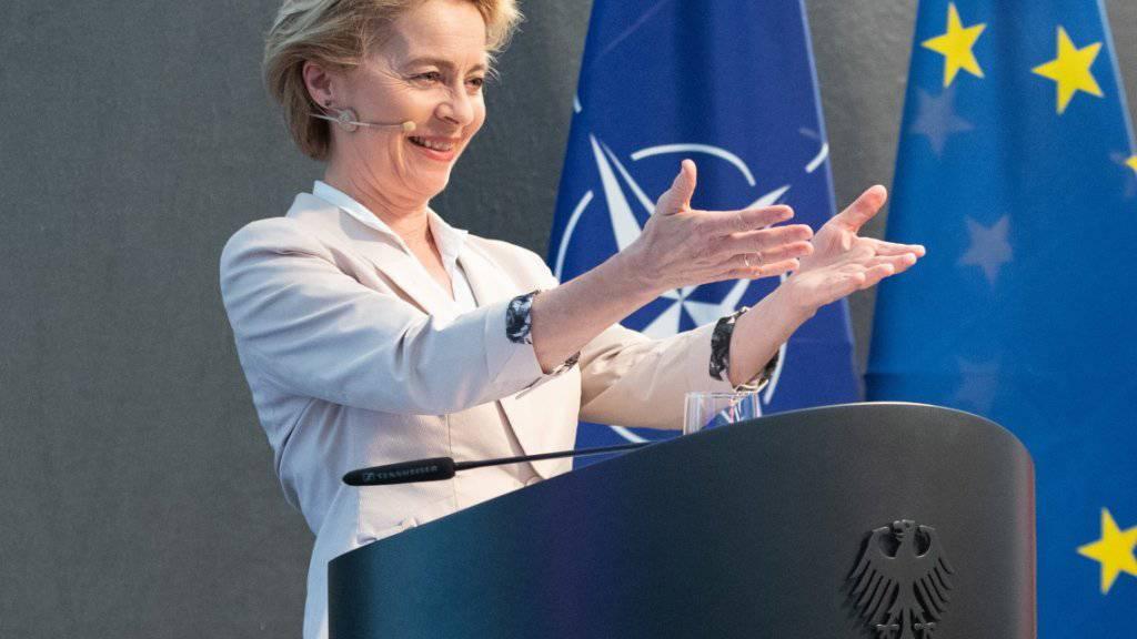 Die EU-Staats- und Regierungschefs haben nach einem dreitägigen Sondergipfel in Brüssel am Dienstagabend die deutsche Verteidigungsministerin Ursula von der Leyen als Nachfolgerin von EU-Kommissionspräsident Jean-Claude Juncker nominiert. (Archiv)