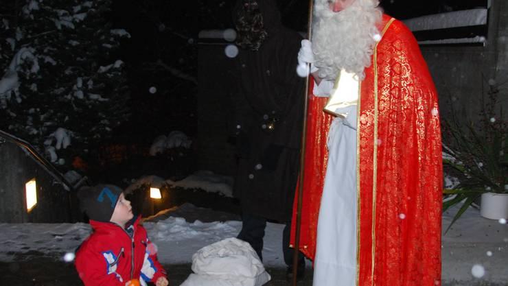 Der Sankt Nikolaus hält auch eine kleine Ueberraschung bereit!
