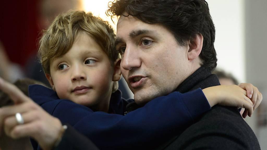Die Liberalen von Premierminister Justin Trudeau sind bei der Parlamentswahl in Kanada vom Montag erneut stärkste Kraft geworden.