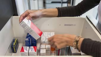 Medikamente in einer Arztpraxis (Symbolbild)