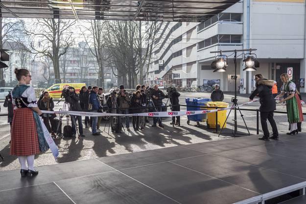 Der Eröffnungstag sei der Anfang vom Ende, sagte Ulrich Vischer, Verwaltungsratspräsident der MCH Group, vor den geladenen Gästen.