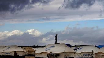 Zelte eines jordanischen Flüchtlingslagers an der Grenze zu Syrien