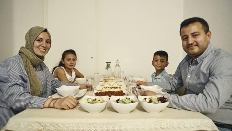 Fastenbrechen bei der Familie Temizel.