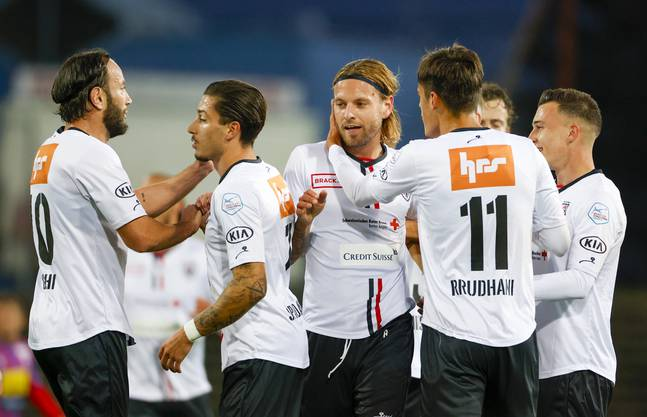 Shkelzen Gashi (links), Kevin Spadanuda (2.v.l.), Donat Rrudhani und Liridon Balaj (rechts) waren bislang gesetzt in der FCA-Offensive