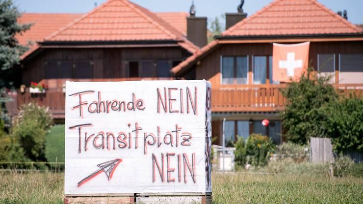 Widerstand im Dorf: Ein Plakat in Wileroltigen wirbt gegen den Transitplatz.