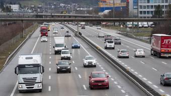 In Spreitenbach ist die Autobahn A1 bereits sechsspurig. Zwischen Aarau Ost und Birrfeld soll sie es bis 2030 ebenfalls sein.