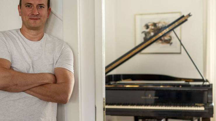 Der gefeierte Basler Mozart-Tenor Daniel Behle hat am Steinway-Flügel des legendären Sängers Fritz Wunderlich eine Operette komponiert.
