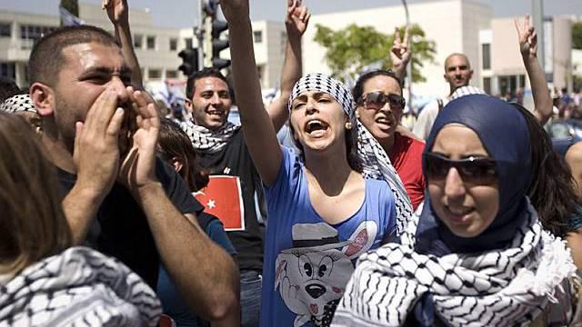 Israelis und Araber fordern ein Ende der Besatzung und der Blockade