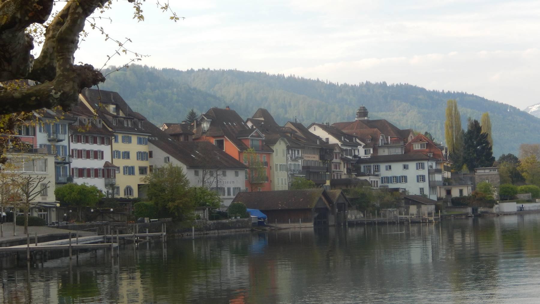 In der Stadt Zug steigen 2018 die Parkgebühren