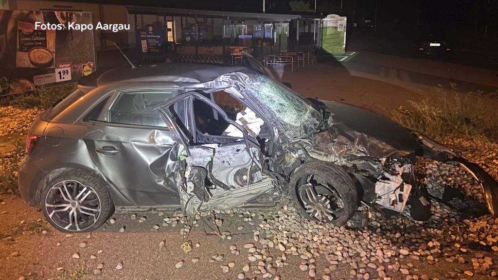 Verfolgungsjagd: In Frick flüchten Einbrecher und verunfallen mit einem geklauten Auto