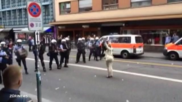 Polizeieinsatz bei Flüchtlingsdemo umstritten