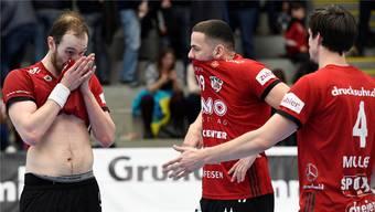 Die Saison 2018/19 ist für den HSC Suhr Aarau (im Bild von links nach rechts: Tim Aufdenblatten, Raphael Rohr und Mathias Müller) zu Ende.