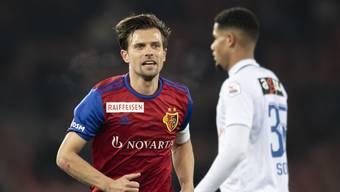 Die Super League steht laut dem Liga-Chef derzeit nicht vor dem Abbruch. Ob das Spiel von Valentin Stockers FC Basel gegen Zürich am Dienstag stattfindet, ist allerdings unklar.