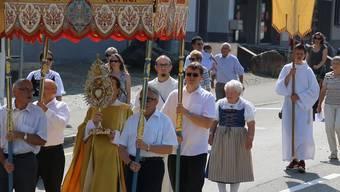 Zu Fronleichnam: Die Pfarrei St.Peter und Paul veranstaltete eine Prozession durch Frick