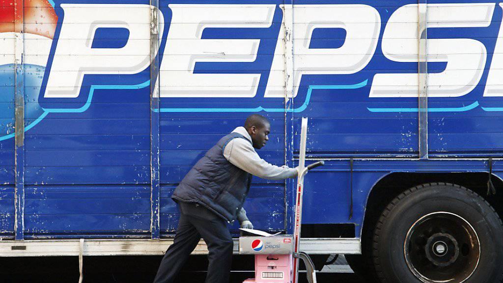 Bei Pepsi sorgte im ersten Quartal vor allem der starke Dollar für weniger Umsatz und Gewinn. (Archivbild)