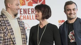 Für einen nachhaltigen Lifestyle: Rapper Stress, Bundesrätin Doris Leuthard und Fussballer Xherdan Shaqiri (v.l.n.r.) während der Energy Challenge 2016.