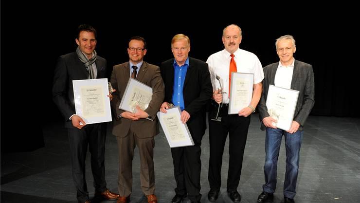 Sascha Ruefer, Thomas Vogt, Urs Siegenthaler, Hans-Rudolf Zumstein und Roger Rossier wurden von der Stadt für ihre Verdienste geehrt. om