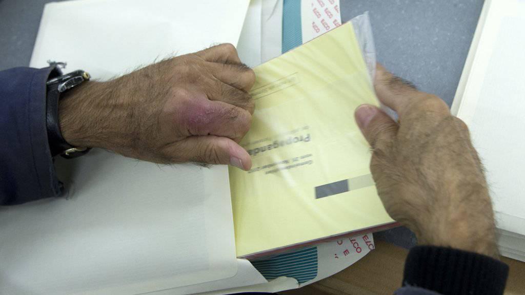 In mehreren Kantonen sind Fehler in den Wahlunterlagen entdeckt worden, nämlich in Graubünden, Wallis, Jura und Luzern.