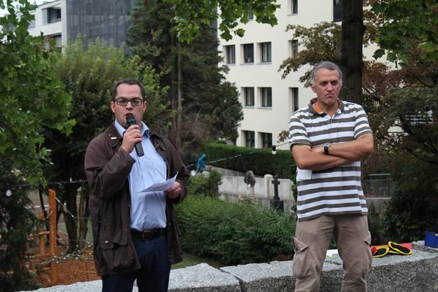 Stadtrat Roger Huber und Stefan Ulrich, Präsident des Quartiervereins Hasel-Martinsberg