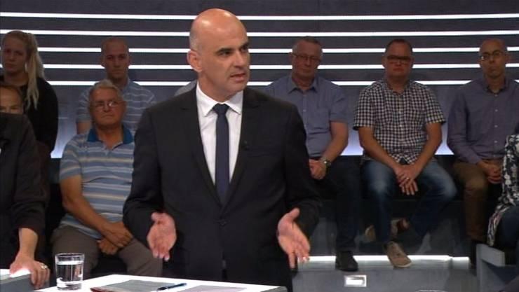 Bundesrat Alain Berset trat in der Fair-Food-«Arena» gegen die Initianten und damit gegen seine eigene Partei an.