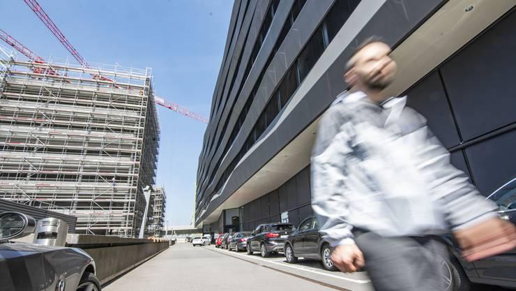 Basel (im Bild der Stücki Business Park) ist steuerlich attraktiv, will aber keine Firmen von anderen Kantonen abwerben.
