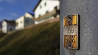 Enge Entscheidung: Gemeinderat will mit 5 zu 4 Stimmen eine Neuausschreibung der AEK-Stromlieferungspacht.