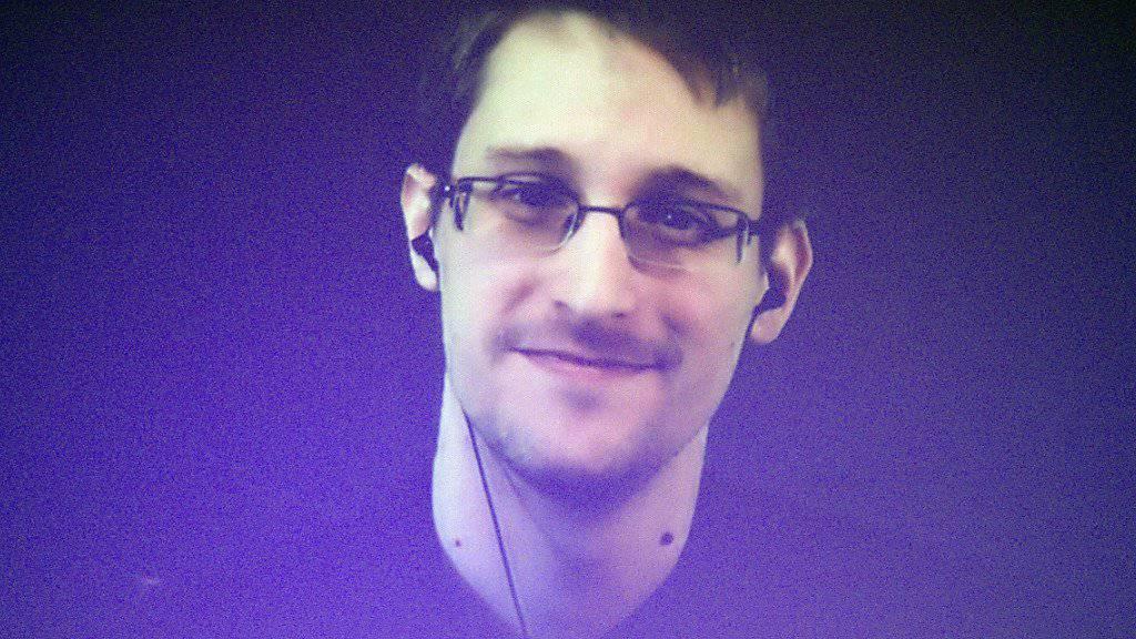 Edward Snowden während einer Video-Konferenz einer von Amnesty International in Paris organisierten Kampagne (Bild vom Dezember 2014).