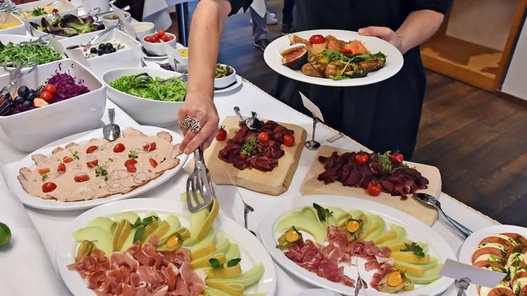 Zum Brunch gehört meistens ein Buffet wie hier im Restaurant Pure in Olten.