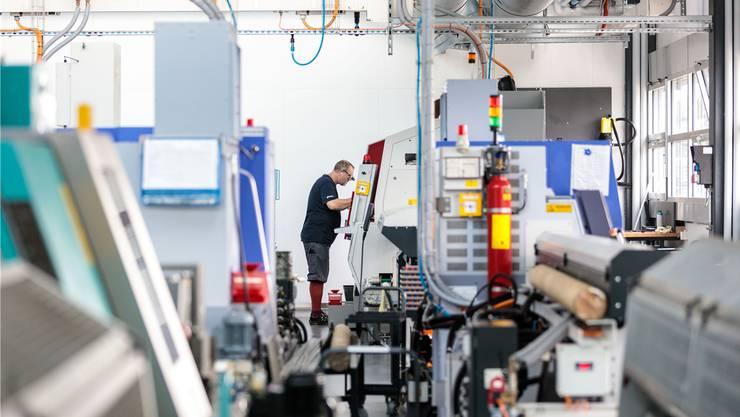 Einblick in die Firma Häni & Co. aus Arch: Seit Mai arbeiten die Mitarbeiter im Automobil-Bereich (rund die Hälfte von 110 Mitarbeitern) in Kurzarbeit.