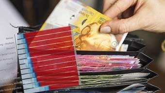Am häufigsten haben Schweizerinnen und Schweizer schon einmal ein privates Darlehen von Verwandten oder Familienangehörigen aufgenommen.