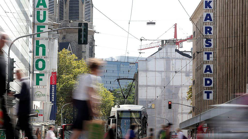 Deutschland erhält einen neuen Warenhausriesen: Das Kartellamt hat die Fusion von Karstadt und Kaufhof genehmigt. (Archiv)