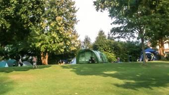 Die Villmerger Badi ist an einem Wochenende im Jahr auch ein idyllischer Zeltplatz für Familien. zvg