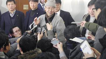 Die Buddha-Statue bleibt in Südkorea: Der Chef-Mönch des Buseon-Tempels Wonu kommentiert zufrieden vor Journalisten das Urteil.