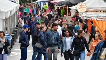 165'600 Besucher konnte die Chilbi im letzten Jahr begrüssen. Der Freitag war besuchermässig der schwächste Tag (im Bild die Mühlegasse). Bruno Kissling/Archiv