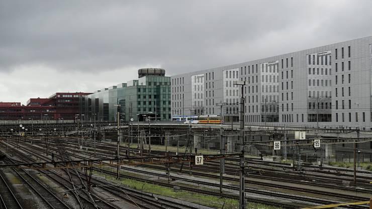 Grau in grau: Wer den Sommer 2014 in Basel verbringt, ist sich dieses Bild gewohnt.