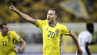 Ola Toivonen feiert das 2:1 der Schweden