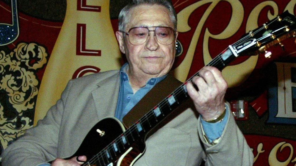 Scotty Moore ist tot: Der erste Elvis-Gitarrist ist im Alter von 84 Jahren gestorben. (Archivbild)