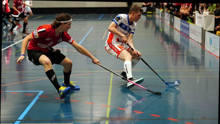 Sicherte seinem Team zwei Tore: Mike Gerber (l.) trug viel zum 6:4-Sieg von Unihockey Basel Regio gegen Ticino Unihockey bei.