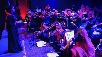 """""""The Afghan Women's Orchestra Zohra"""" gastiert im Januar in Davos und in Zürich."""