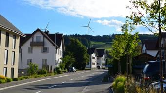 Darüber, ob die Windräder in Beinwil gebaut werden, stimmt die Bevölkerung der Gemeinde erst in etwa zwei Jahren ab. (Visualisierung)
