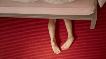 Betroffene sind zwischen 15 und 17 Jahre alt, wenn sie merken, dass sie pädophil sind. (Symbolbild)