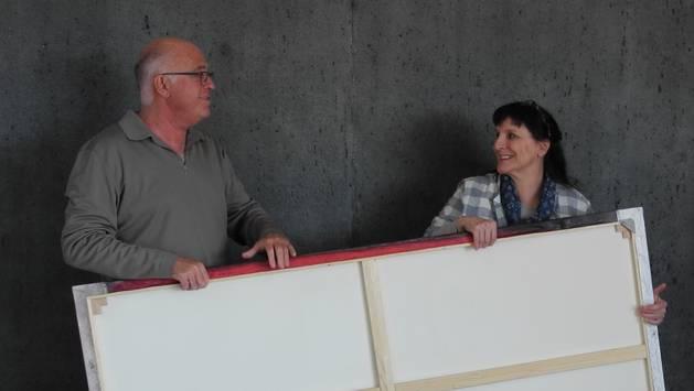 Peter Stocker und Irene Wiestner packen an und organisieren neu gemeinsam Ausstellungen in der Galerie Artune.