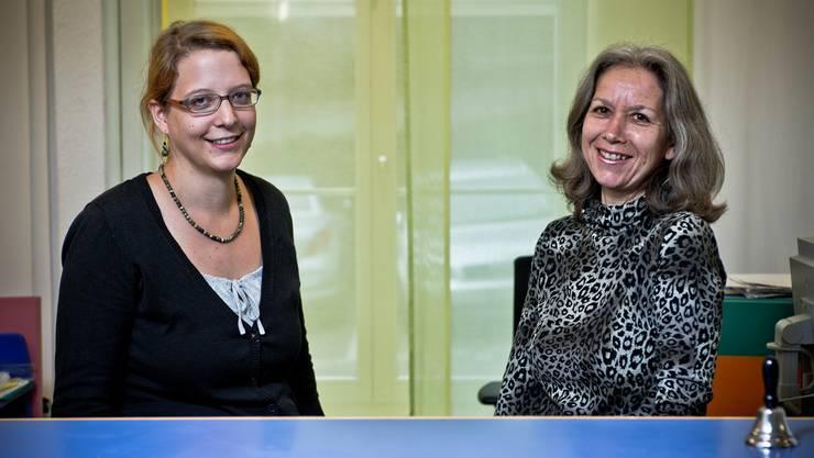Eva Bühler (l.) und Hildegard Hochstrasser sind gespannt, wie die Kurzberatung bei der Bevölkerung ankommt. Emanuel Freudiger
