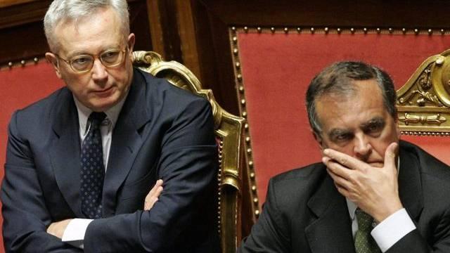 Wirtschaftsminister Giulio Tremonti (l.) neben Roberto Calderoli, Minister für die Vereinfachung in der Gesetzgebung