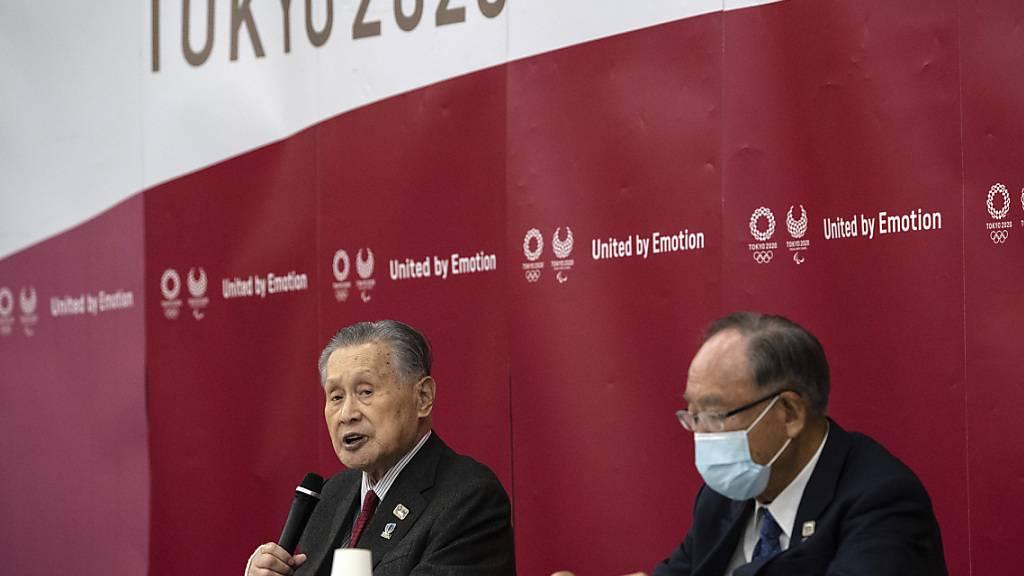 OK-Präsident Yoshiro Mori (links) hatte für einmal gute Nachrichten zu verkünden: Alle 68 japanischen Sponsoren haben ihre Verträge verlängert