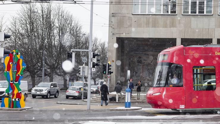 Da staunt wohl auch der Tram-Chauffeur.