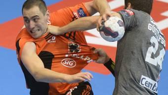Harte Gegenwehr für Kadette Aleksandar Stojanovic (l.)