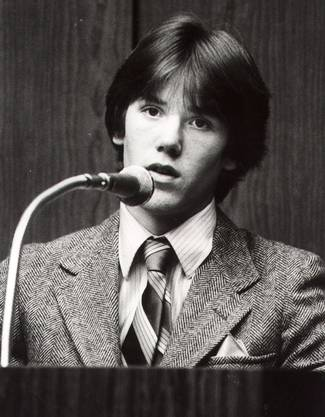Steven Stayner 1981 bei seiner Aussage gegen Parnell.