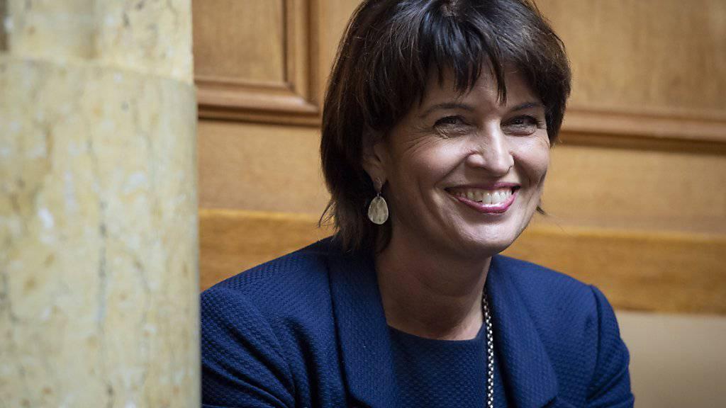 Im Nationalrat gab es nach der Beratung des Fernmeldegesetzes Standing Ovations für Bundesrätin Doris Leuthard.
