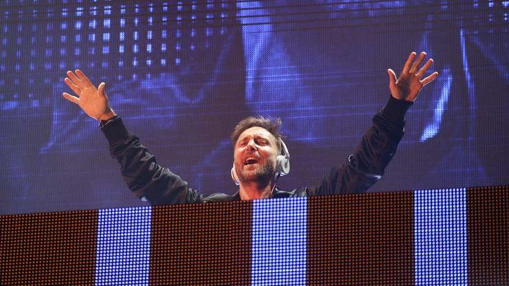 «I love you Germany!». Star des Abends (neben der AIDAnova natürlich): Star DJ und Prozent David Guetta
